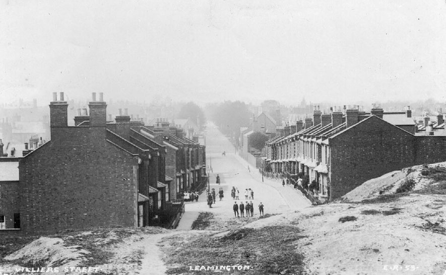 Rows of terraced houses in Villiers Street.  1900s |  IMAGE LOCATION: (Warwickshire County Record Office)