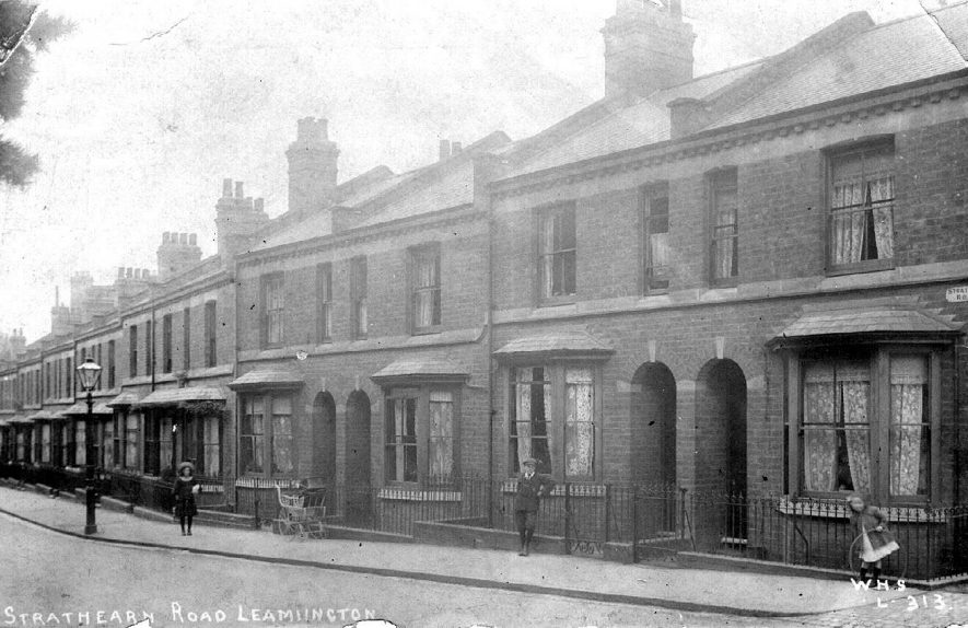 Terraced houses in Strathearn Road.  1900s |  IMAGE LOCATION: (Warwickshire County Record Office)