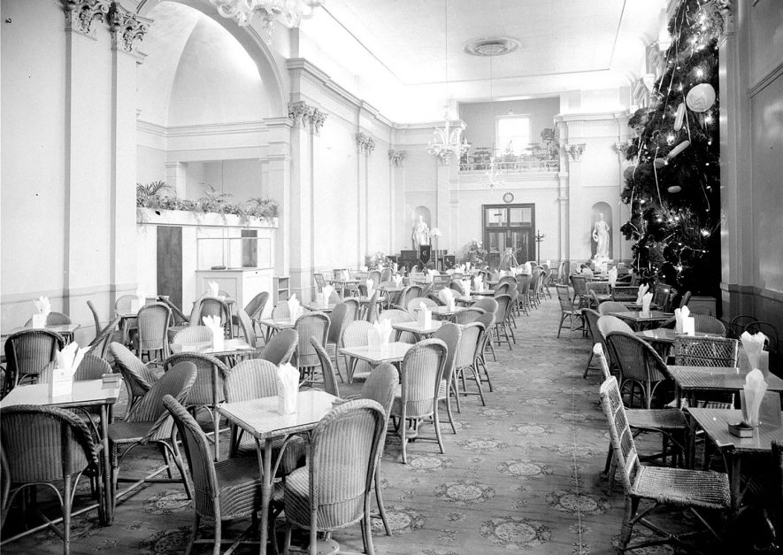 Pump Rooms, Leamington showing interior view of  Tea Room.  13 December  1956 |  IMAGE LOCATION: (Warwickshire County Record Office)