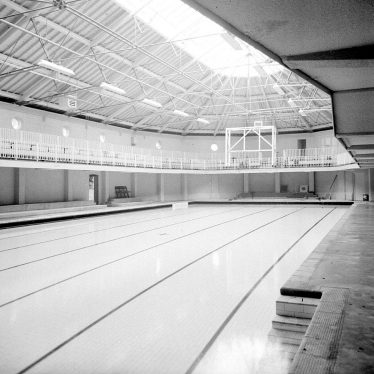 Leamington Spa.  Swimming baths
