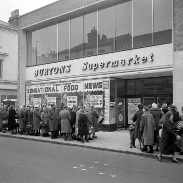 Leamington Spa.  Burtons Supermarket