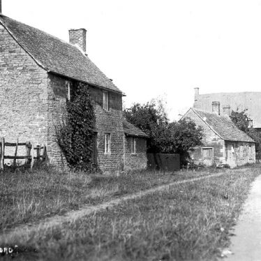 Great Wolford.  Cottages