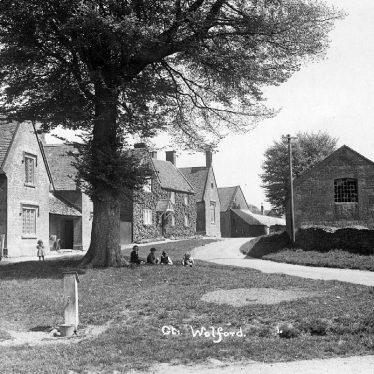 Great Wolford.  Village scene