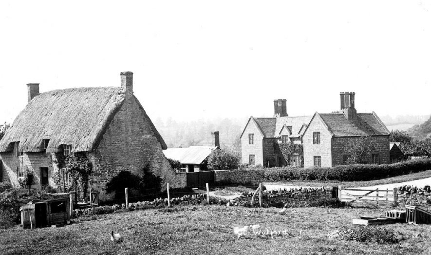Cottages in Great Wolford.  1920s |  IMAGE LOCATION: (Warwickshire County Record Office)