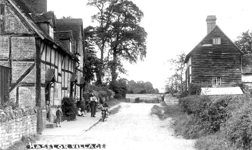 Village street scene in Haselor.  1930s |  IMAGE LOCATION: (Warwickshire County Record Office)