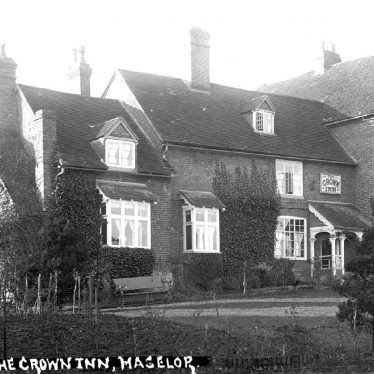 Haselor.  Crown Inn