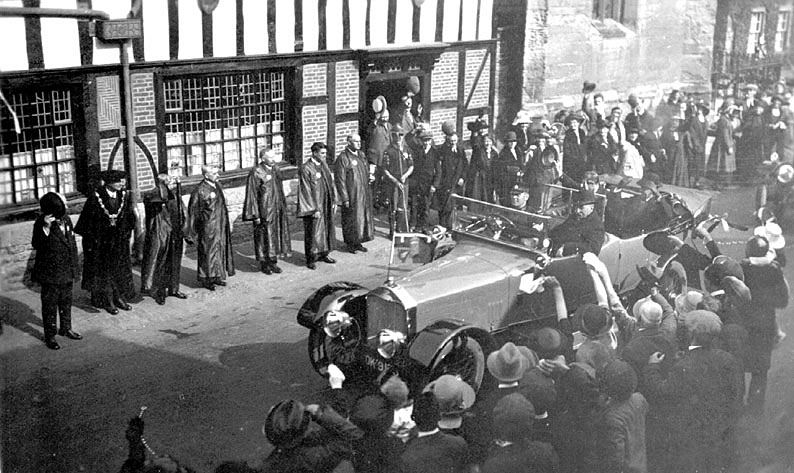 Visit by Prince of Wales, outside the Guildhall, Henley in Arden.  1923 |  IMAGE LOCATION: (Warwickshire County Record Office)