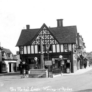 Henley in Arden.  Market Cross