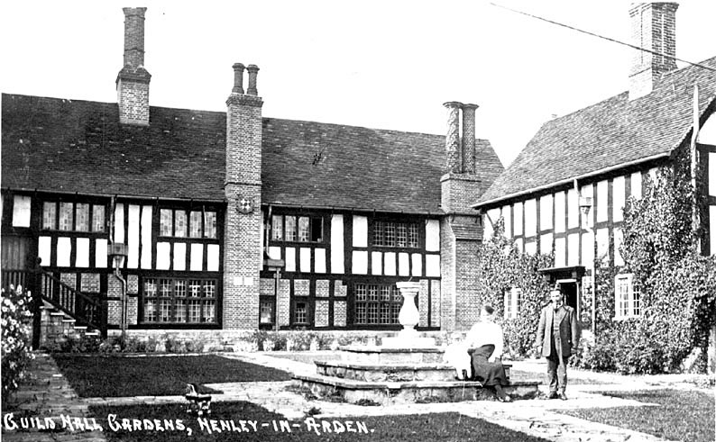 Guildhall gardens, Henley in Arden.  1920s |  IMAGE LOCATION: (Warwickshire County Record Office)
