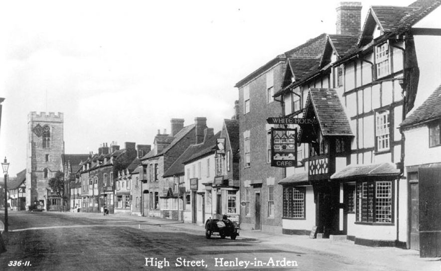 High Street, Henley in Arden, showing the Parish church.  1933 [I have this postcard postally used on 27th Dec 1928]    IMAGE LOCATION: (Warwickshire County Record Office)
