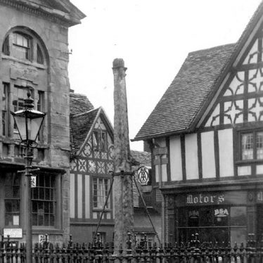 Henley in Arden.  Old Market Cross