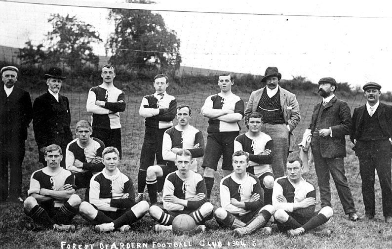Forest of Arden football club team photograph.  1904/5 |  IMAGE LOCATION: (Warwickshire County Record Office)