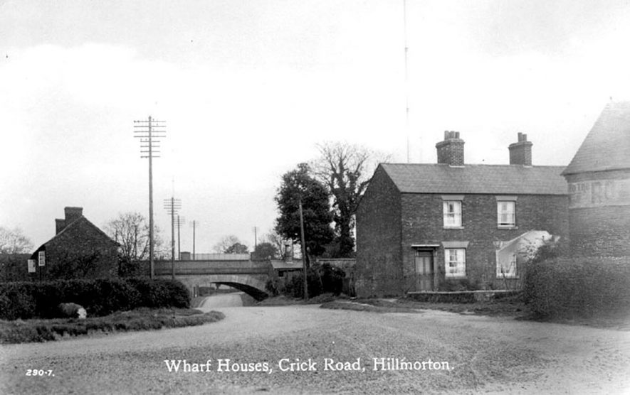 Wharf houses and bridge, Crick Road, Hillmorton.  1930s |  IMAGE LOCATION: (Warwickshire County Record Office)