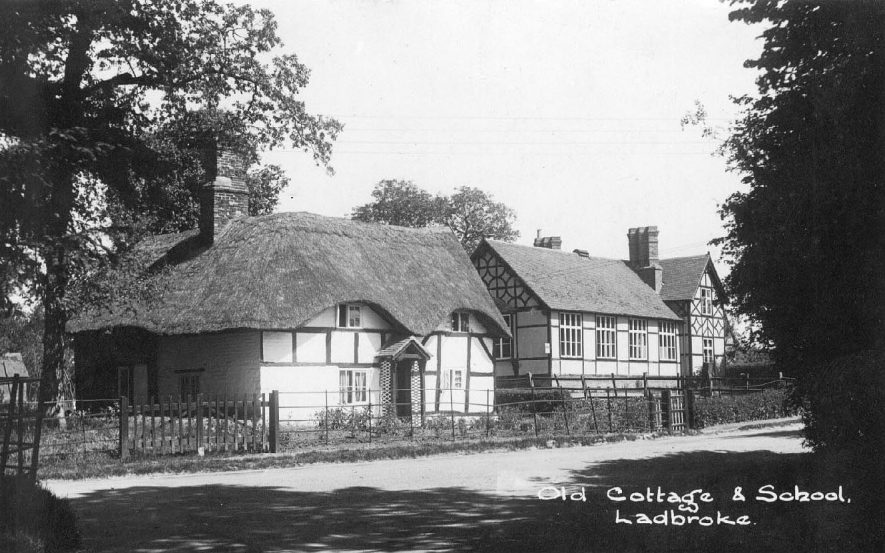 Ladbroke School and old thatched cottages. 1950s |  IMAGE LOCATION: (Warwickshire County Record Office)