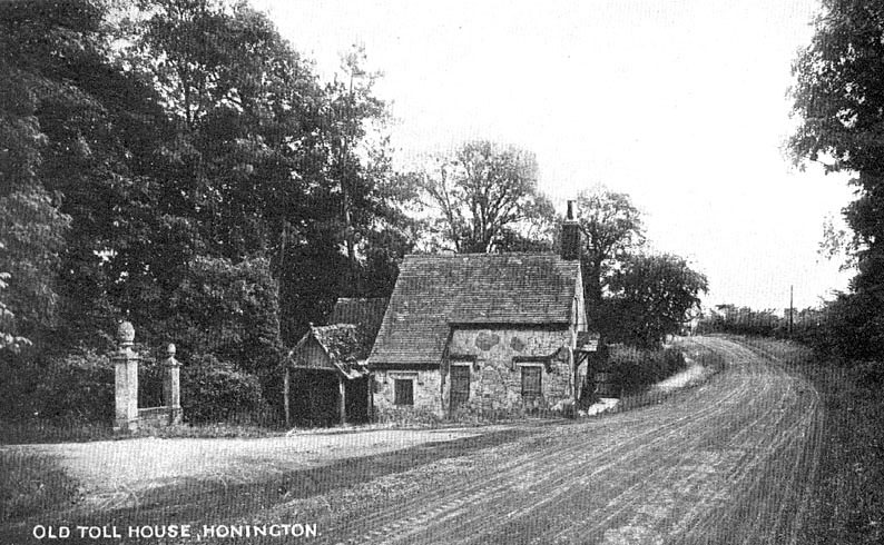 The old toll house, Honington.  1920s |  IMAGE LOCATION: (Warwickshire County Record Office)