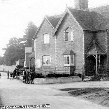 Hunningham.  Houses