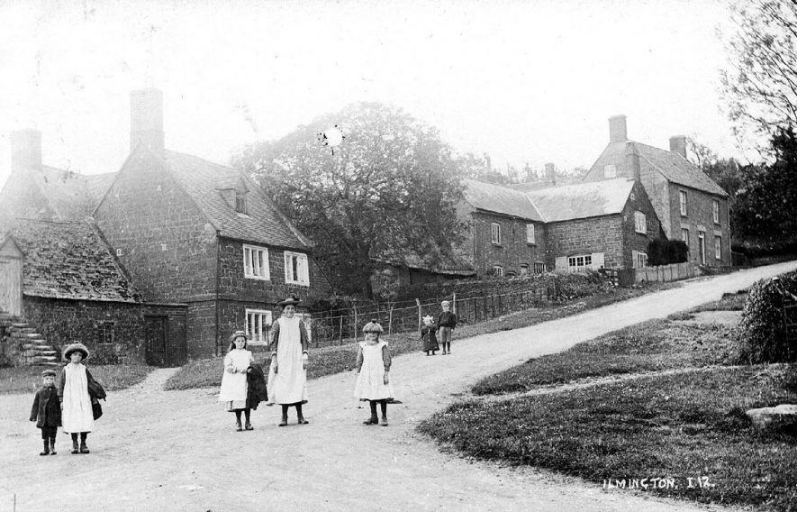 Children standing in the village street at Ilmington.  1900s |  IMAGE LOCATION: (Warwickshire County Record Office)
