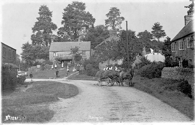 Ilmington village street scene.  1900s |  IMAGE LOCATION: (Warwickshire County Record Office)