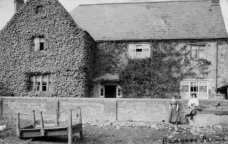 Idlicote  Badger's Farmhouse.  1920s |  IMAGE LOCATION: (Warwickshire County Record Office)