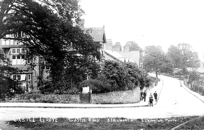 Castle Grove, Kenilworth.  1910s |  IMAGE LOCATION: (Warwickshire County Record Office)