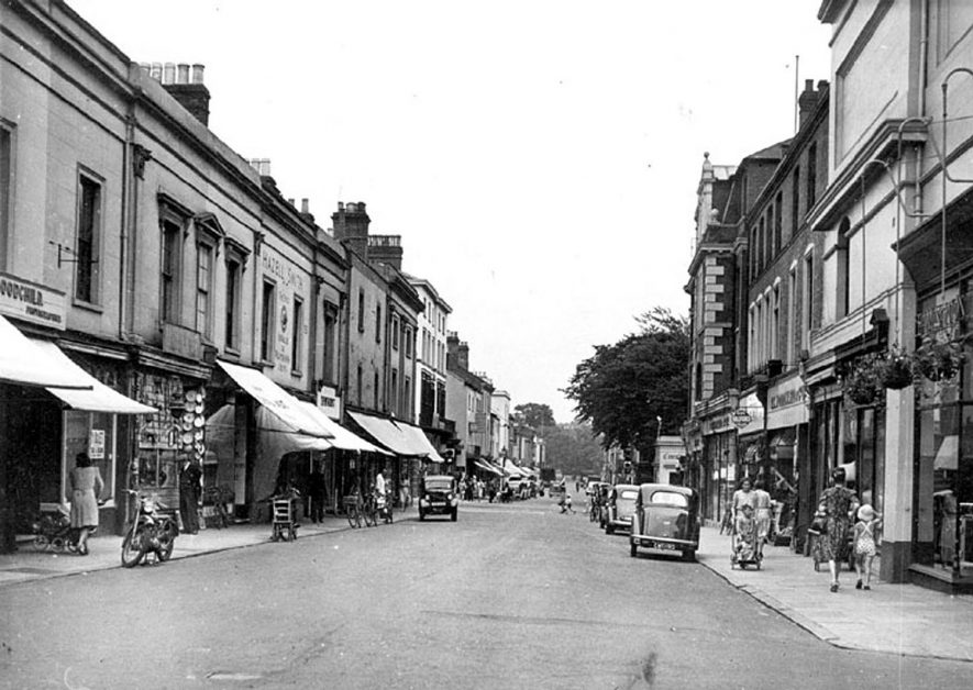 Regent Street, Leamington Spa in the 1950s. |  IMAGE LOCATION: (Warwickshire County Record Office)