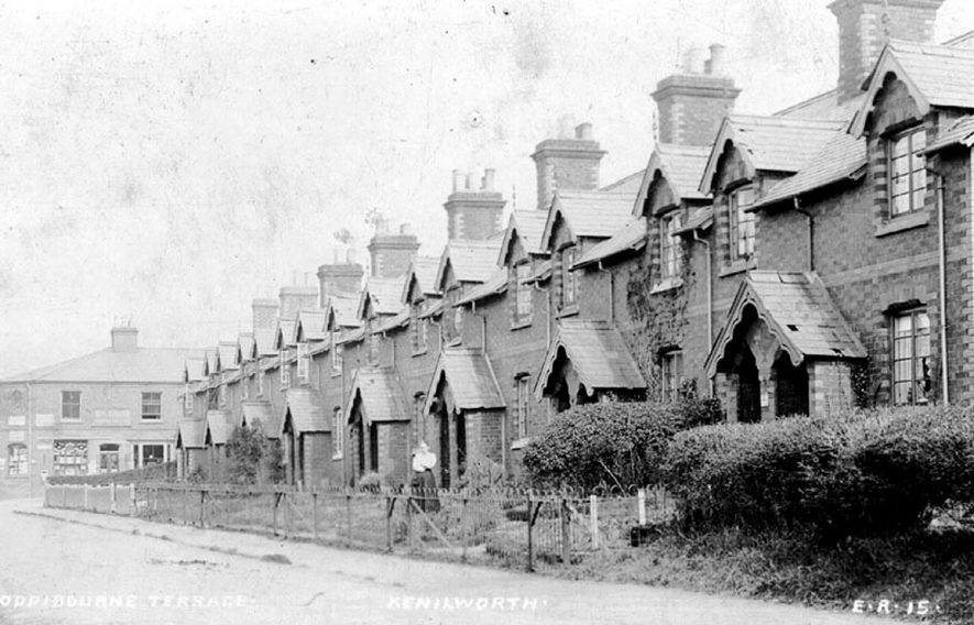 Oddibourne Terrace, Kenilworth.  1910s |  IMAGE LOCATION: (Warwickshire County Record Office)