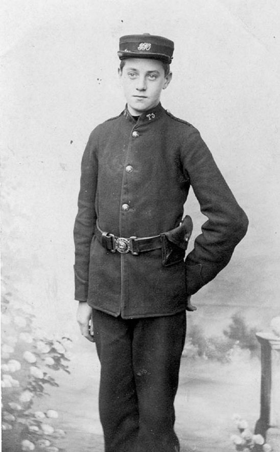 Picture of  William. G. Smart of Clinton Lane, Kenilworth in his postman's uniform.  1900s |  IMAGE LOCATION: (Warwickshire County Record Office) PEOPLE IN PHOTO: Smart, William G, Smart as a surname