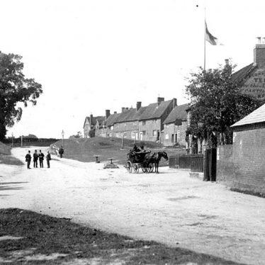 Kenilworth.  Castle Green