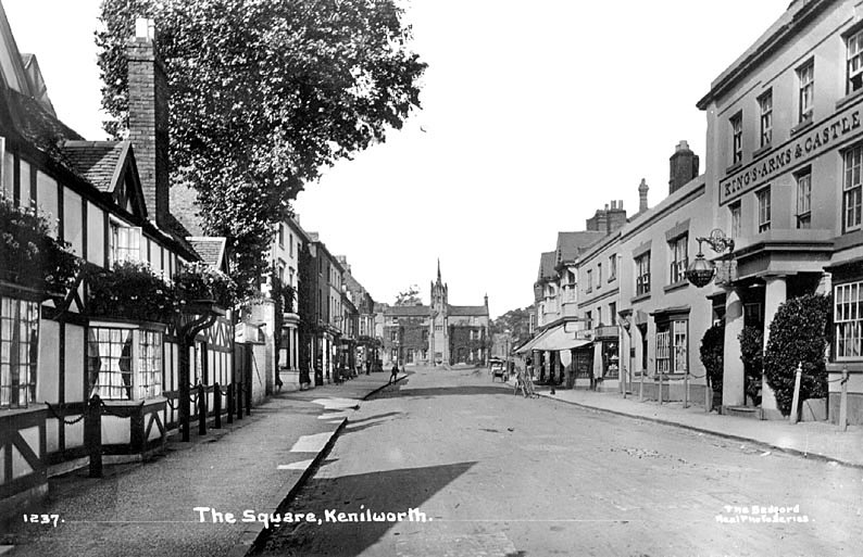 The Square, Warwick Road, Kenilworth. 1910s |  IMAGE LOCATION: (Warwickshire County Record Office)