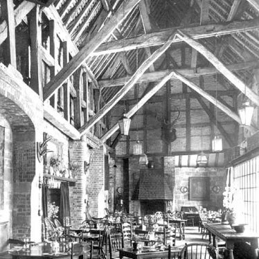 Kenilworth.  Castle, Lord Leycester's Barn Interior