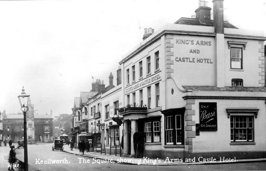The Square showing the Kings Arms & Castle Hotel, Kenilworth.  1920s |  IMAGE LOCATION: (Warwickshire County Record Office)