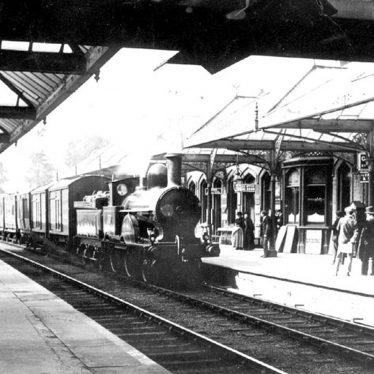 Kenilworth.  Railway Station