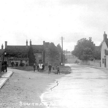 Kineton.  Southam Road