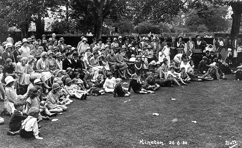 Kineton fete.  26 June 1930 |  IMAGE LOCATION: (Warwickshire County Record Office)