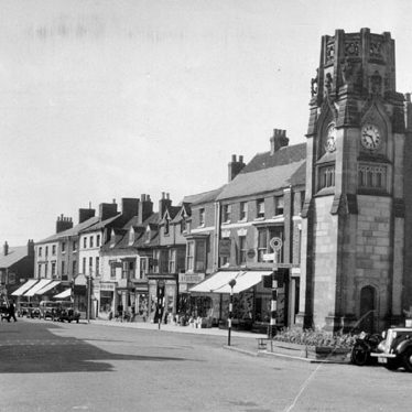 Kenilworth.  Square