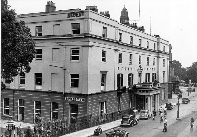 The Regent Hotel, Leamington Spa.  1950s |  IMAGE LOCATION: (Warwickshire County Record Office)