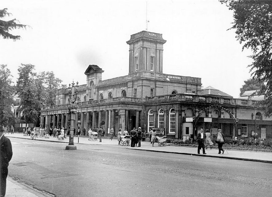 The Royal Pump Rooms, Leamington Spa.  1950s |  IMAGE LOCATION: (Warwickshire County Record Office)