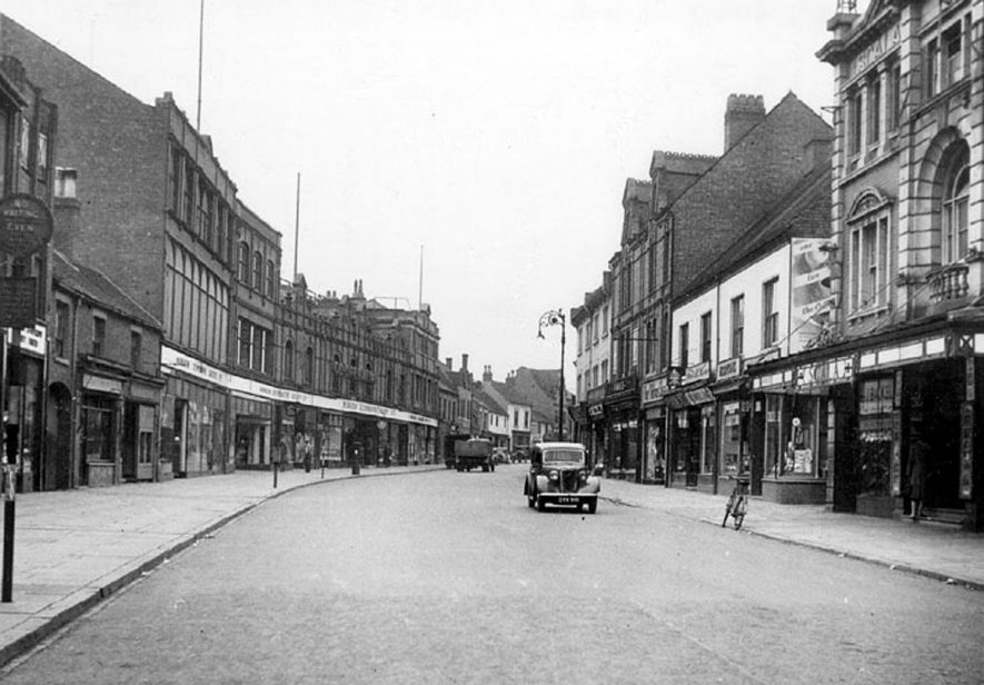 Abbey Street, Nuneaton.  1950s |  IMAGE LOCATION: (Warwickshire County Record Office)
