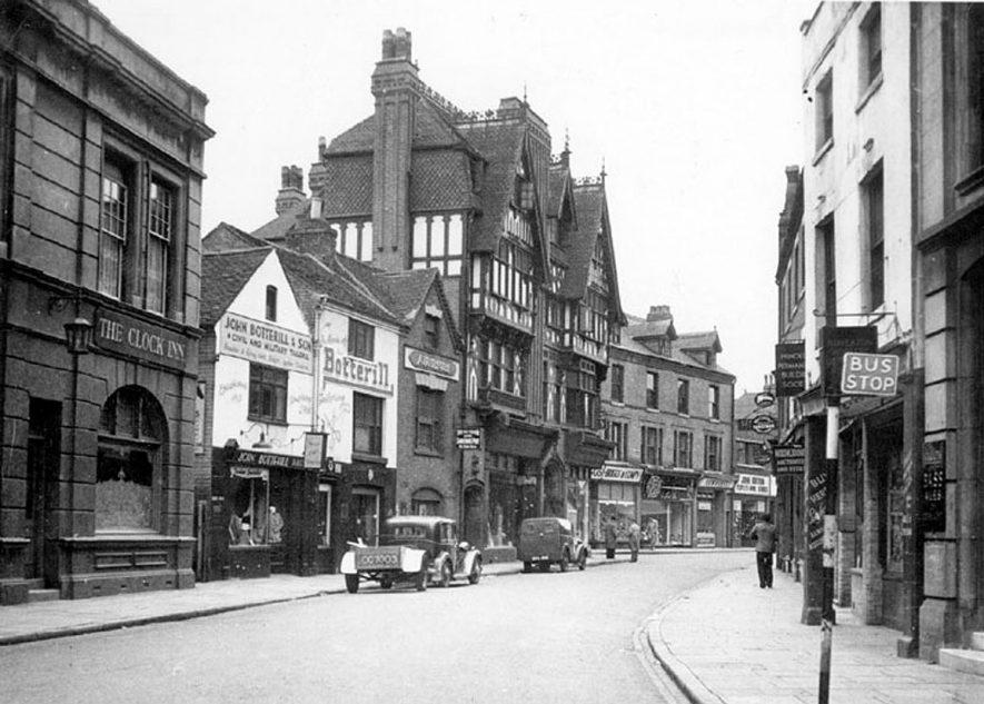 Newdegate Street, Nuneaton.  1950s |  IMAGE LOCATION: (Warwickshire County Record Office)