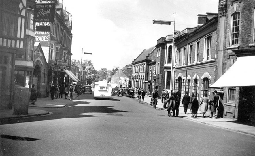 View of North Street, Rugby.  1950s |  IMAGE LOCATION: (Warwickshire County Record Office)