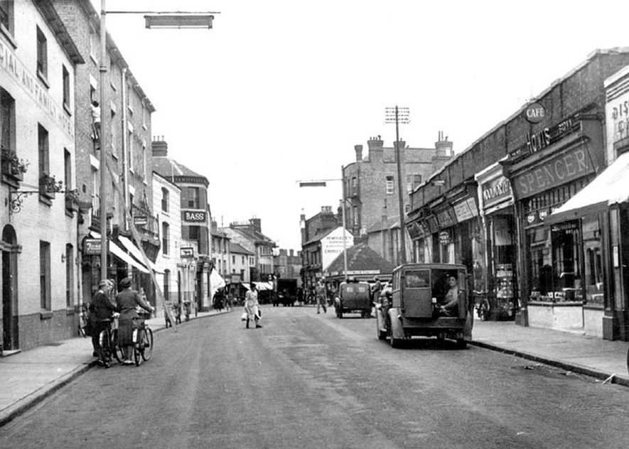 Sheep Street, Rugby.  1950s |  IMAGE LOCATION: (Warwickshire County Record Office)
