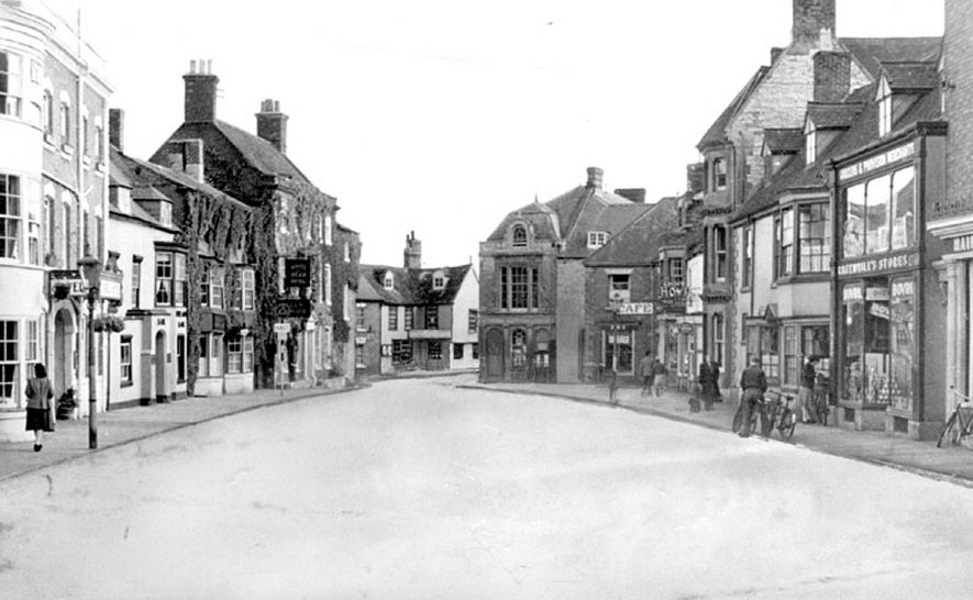High Street, Shipston on Stour.  1950s    IMAGE LOCATION: (Warwickshire County Record Office)