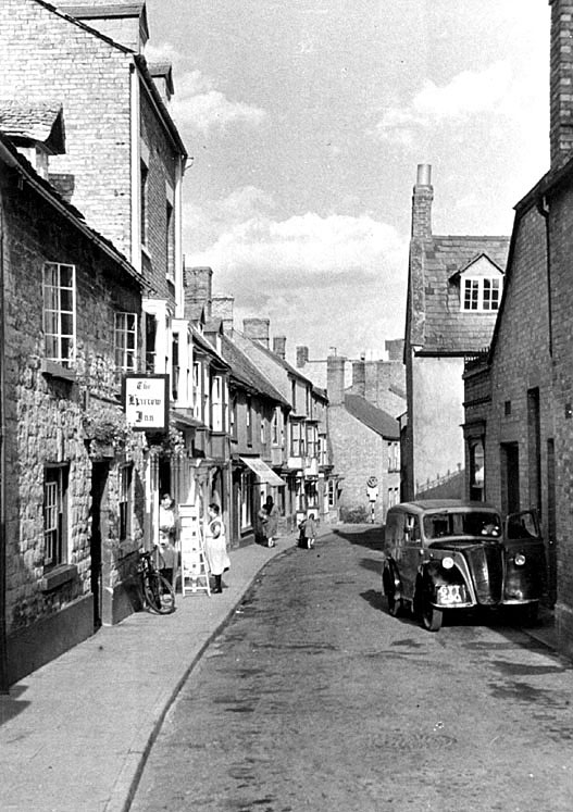Sheep Street, Shipston on Stour.  1950s |  IMAGE LOCATION: (Warwickshire County Record Office)