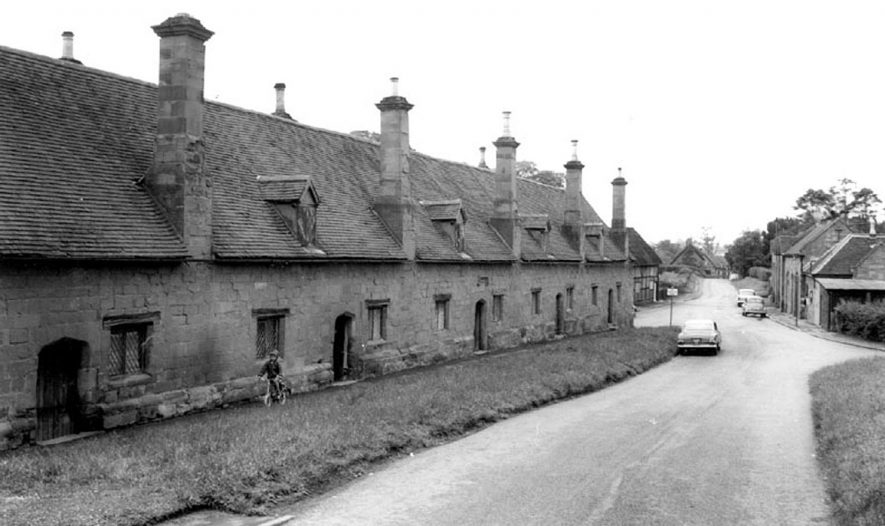 The Almshouses, Stoneleigh.  1960s    IMAGE LOCATION: (Warwickshire County Record Office)