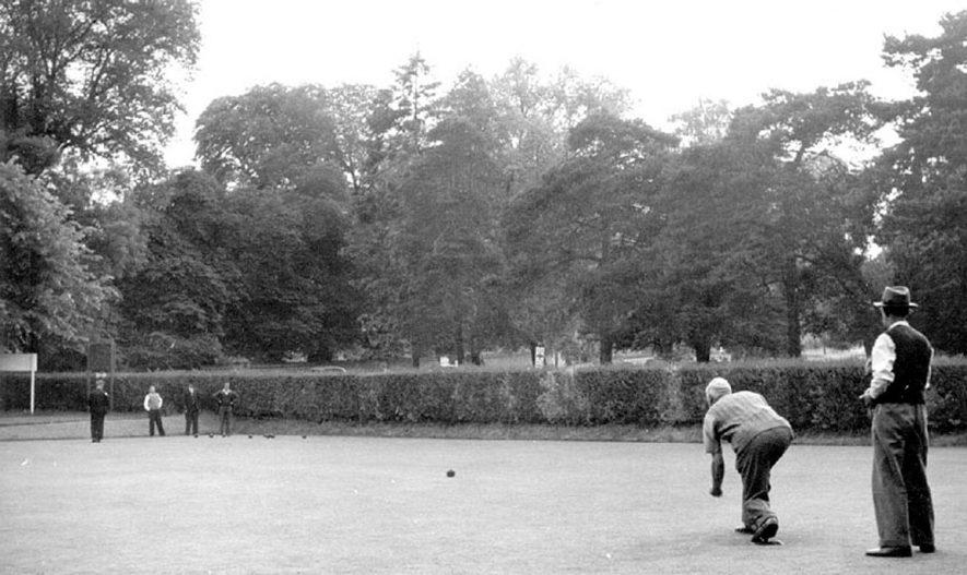 St Nicholas' Park  Bowling Green, Warwick.  1950s |  IMAGE LOCATION: (Warwickshire County Record Office)