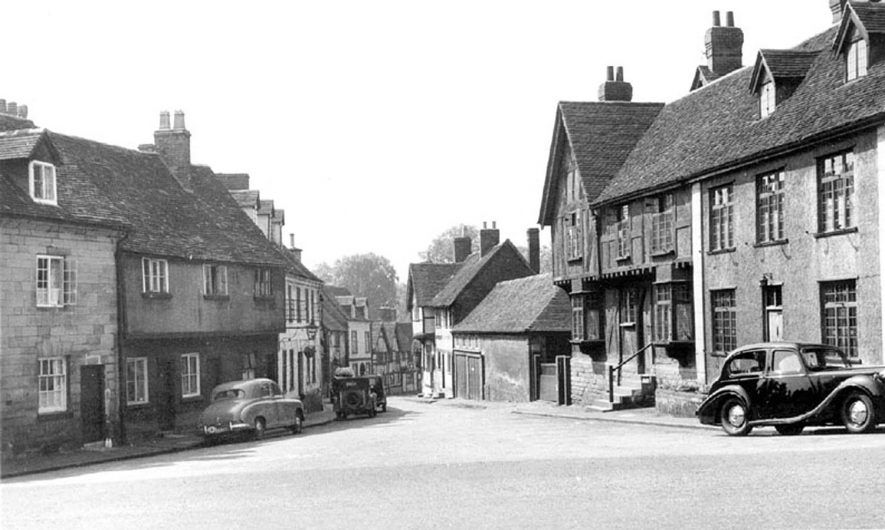 Mill Street, Warwick.  1950s |  IMAGE LOCATION: (Warwickshire County Record Office)