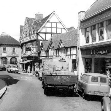 Warwick.  Swan Street