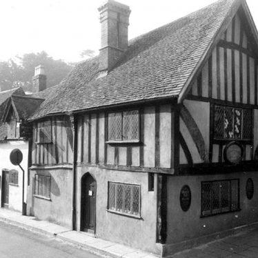 Warwick.  Castle Street, Oken's House