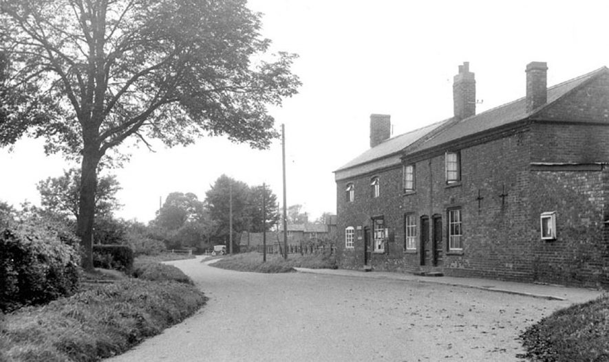 The Post Office, Willoughby.  1950s |  IMAGE LOCATION: (Warwickshire County Record Office)