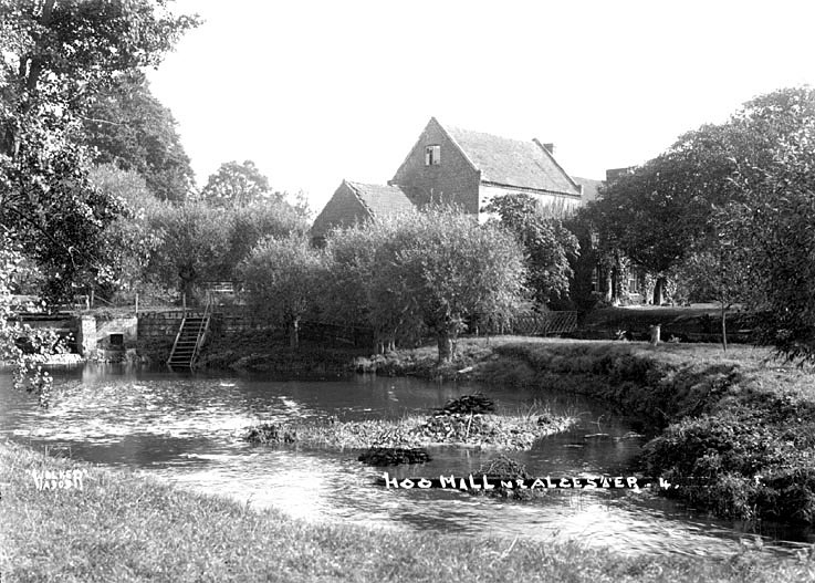 Hoo Mill beside the River Alne, Alcester.  1930s |  IMAGE LOCATION: (Warwickshire County Record Office)